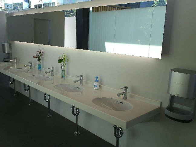 公衆トイレを一部リニューアルいたしました。